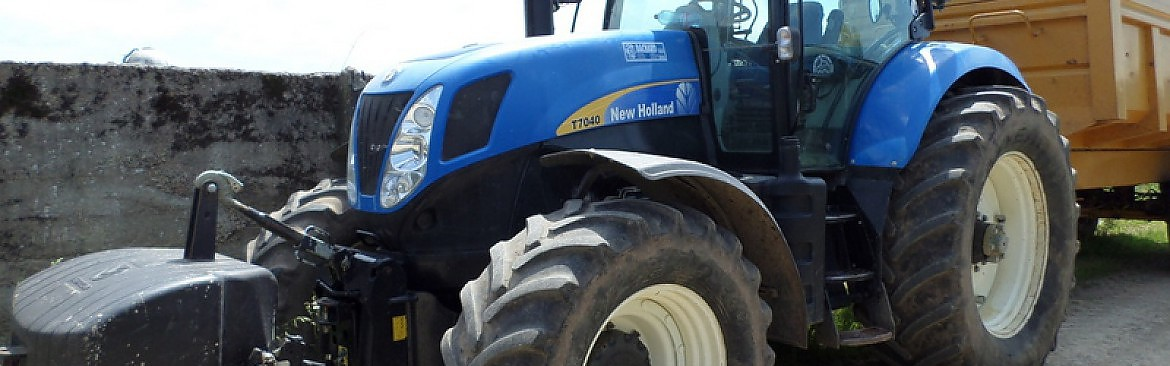 TRACTEUR NEW HOLLAND T 7040
